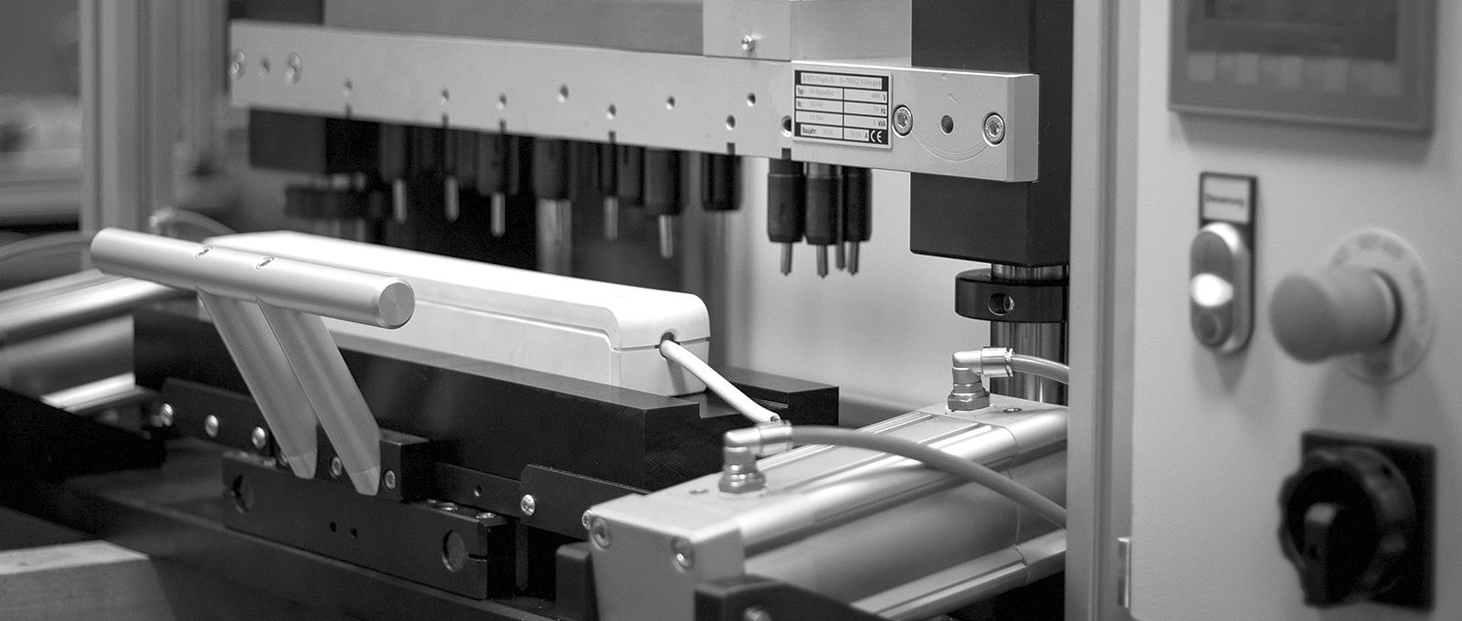Mehrspindelnietmaschine - Niettechnik & Fördertechnik Hersteller SCHULER Technology